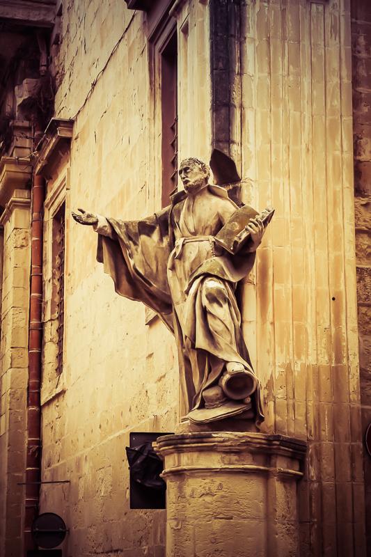 Statue in Valletta